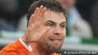 Der Mainzer Torschütze Andreas Ivanschitz jubelt über sein Tor zum 2:2-Ausgleich. (Foto: dpa)