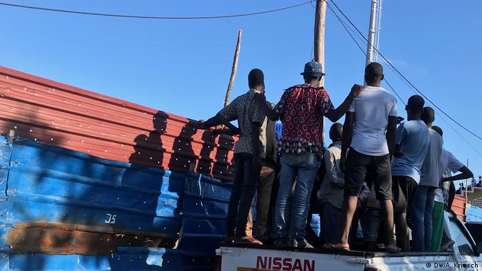 Mosambik l nach dem Zyklon l Stadion (DW/A. Kriesch)