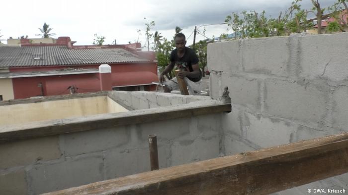 Mosambik l nach dem Zyklon l Großbaustelle Beira (DW/A. Kriesch)