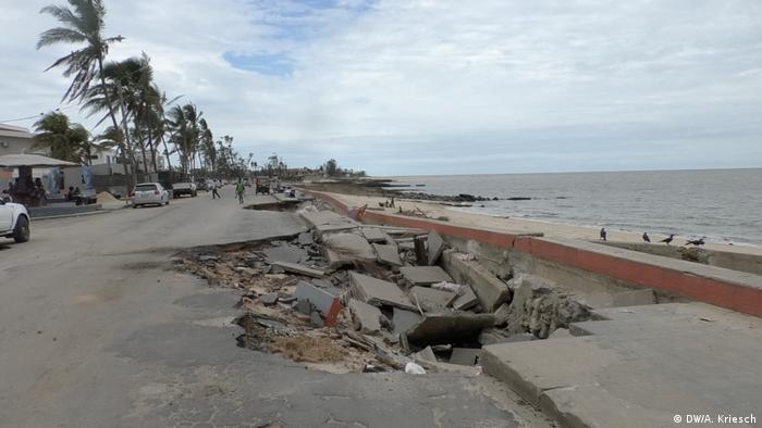 Mosambik l nach dem Zyklon l Meeresspiegel steigt (DW/A. Kriesch)