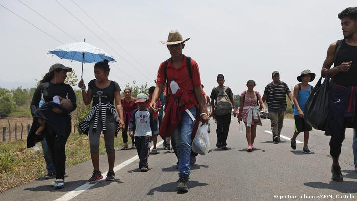 Mexiko: Migranten auf dem Weg in die USA (picture-alliance/AP/M. Castillo)