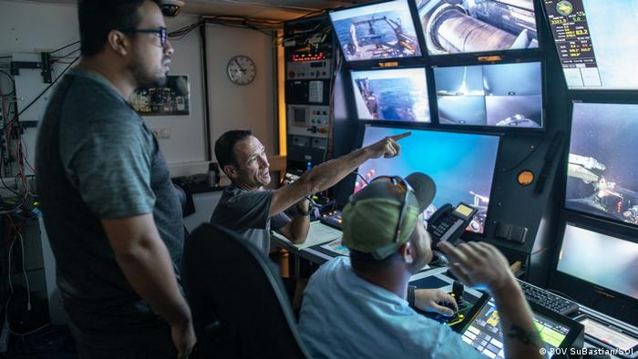 Marine biologists steering a remotely controlled submarine at Pescadero Basin (ROV SuBastian/SOI)