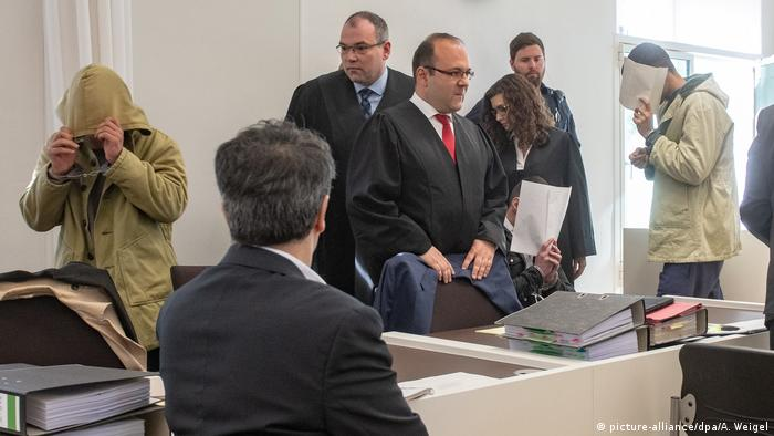 Courtroom as trial gets underway (picture-alliance/dpa/A. Weigel)