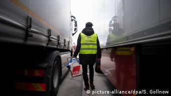 Vozač kamiona na jednom njemačkom odmorištu