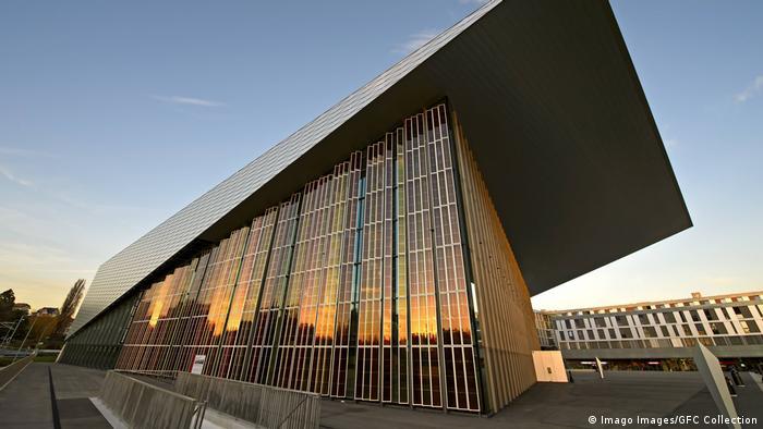 Schweiz - Farbstoffsolarzellen oder Grätzel Zellen am SwissTech Convention Center