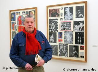 Jürgen Schweinebraden in der Ausstellung 'Sein und Wesen - Der unbekannte A.R. Penck' (Foto: dpa)