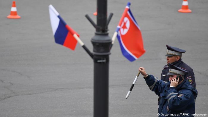 Russland Nordkorea l Treffen von Vladimir Putin und Kim Jong Un (Getty Images/AFP/K. Kudryavsev)