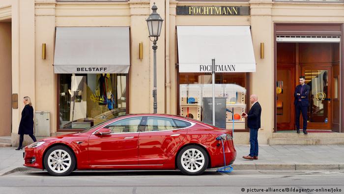 Електромобіль Tesla в Мюнхені
