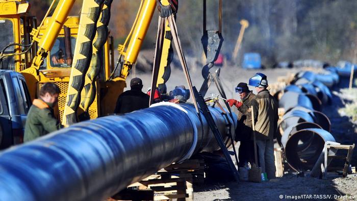 Прокладка новых труб нефтепровода Дружба
