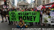 Extinction Rebellion protests in the London financial district (picture-alliance/dpa/NurPhoto/W. Szymanowicz)