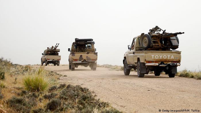 Kolona vojnih vozila