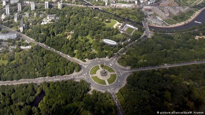Luftaufnahme: Berlin von oben - die grüne Stadt (picture-alliance/dpa/W. Krumm)