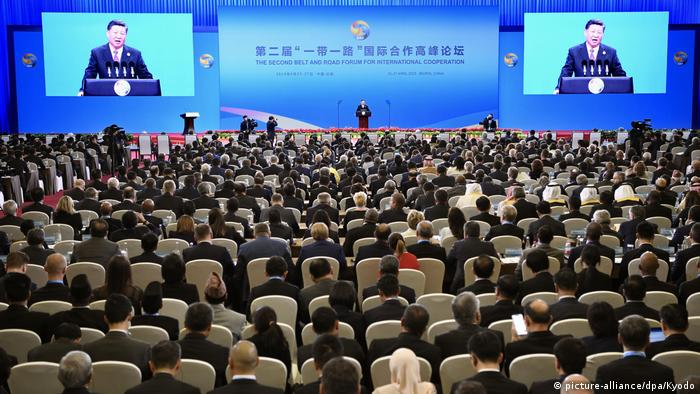 Xi Jinping addresses the audience at the Silk and Road summit in Beijing