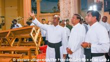 Sri Lanka Negombo Präsident Maithripala Sirisena in der St. Sebastian Kirche (picture-alliance/AA/The Presidential Office of Sri Lanka)
