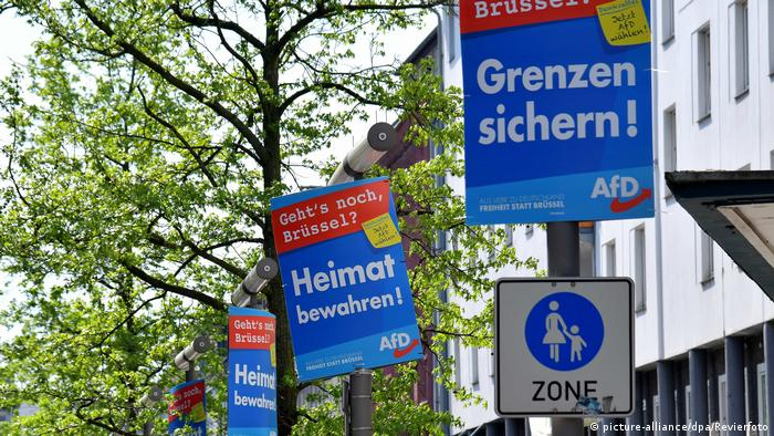 AFP posters in Oberhausen (picture-alliance/dpa/Revierfoto)