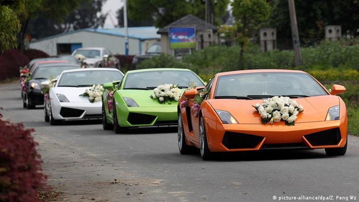 Auto orientalische Hochzeit Autokorso Symbolbild