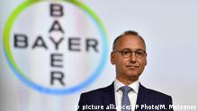 Deutschland l Bayer Hauptversammlung in Bonn - CEO Werner Baumann (picture alliance/AP Photo/M. Meissner)
