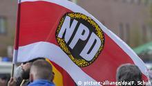 ARCHIV - 01.05.2013, Berlin: Anhänger der rechtsextremen NPD demonstrieren. Am 24.11.2018 hat die NPDein Aufmarsch in Salzgitter angemeldet. Foto: Florian Schuh/dpa +++ dpa-Bildfunk +++ | Verwendung weltweit