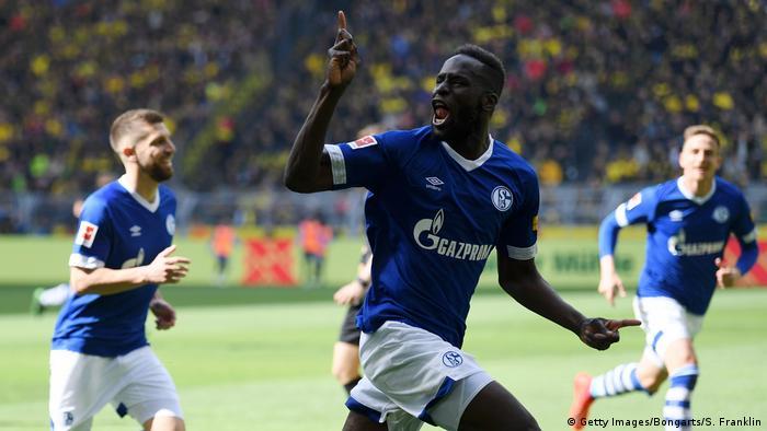 Fußball Bundesliga 31. Spieltag l BVB Dortmund vs FC Schalke 04 l Tor 1:2 Jubel (Getty Images/Bongarts/S. Franklin)