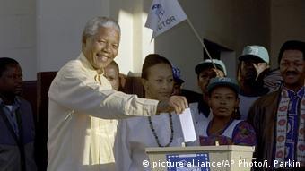 Südafrika l 25 Jahre Demokratie - Ende der Apartheid l Nelson Mandela 1994