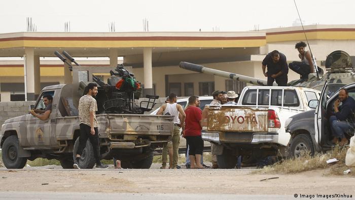 Los dirigentes rivales de Libia aceptaron el alto el fuego que entró en vigor el 12.01.2020 en Libia, propuesto por Turquía y Rusia.
