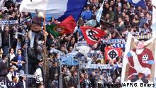 Italien Lazio Rom Fans neo Nazi Flaggen (Getty Images/AFP/G. Bouys)