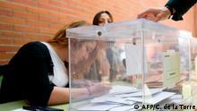 Spanien Parlamentswahlen Wahllokal