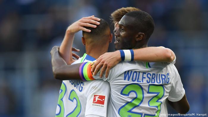 Também o time masculino do Wolfsburg ostenta a faixa de capitão arco-íris
