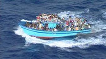 Brod s izbjeglicama kakvog često zaustave postrojbe Frontex-ovih čuvara granica