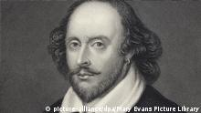 William Shakespeare (1564 - 1616) English playwright and poet. Rectangular portrait. (Engraving by E. Scriven derived from the Chandos portrait 2 of 3 versions by Scriven) | Keine Weitergabe an Wiederverkäufer.