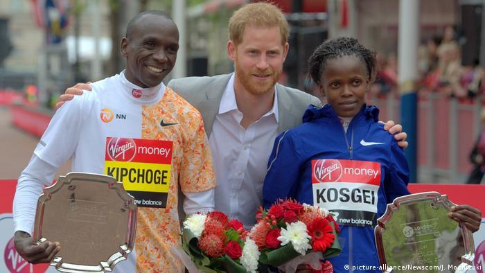 Leichtathletik London Marathon | Eliud Kipchoge, Prinz Harry und Brigid Kosgei