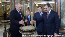 Weißrussland Gottesdienst Aljaksandr Lukaschenka mit seinen Söhnen