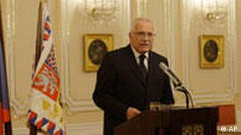 Czech Republic's President Vaclav Klaus briefs the press after signing the Lisbon Treaty.