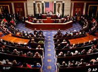 Τα μέλη του Κογκρέσου διέκοψαν πολλές φορές με χειροκροτήματα την ομιλία της καγκελαρίου