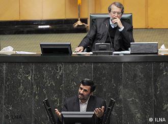 تنش میان دولت دهم و مجلس هشتم بارها رهبر ایران را مجبور به دخالت کرد