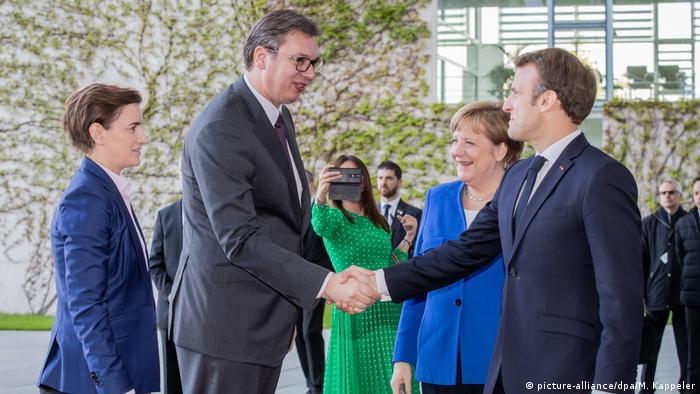 Summit UE-Balcanii de Vest la Berlin: Merkel și Macron îi salută pe liderii Serbiei, președintele Aleksandar Vucic și premiera Ana Brnabic