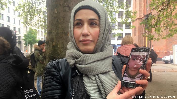 Deutschland Protest vor dem Auswärtigen Amt   Kinder IS