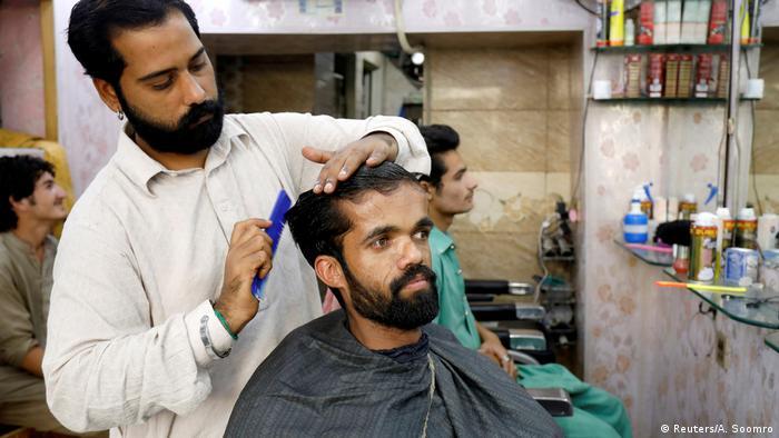 Pakistan Rawalpindi - Rozi Khan Lookalike des Game of Thrones Schauspieler Peter Dinklake (Reuters/A. Soomro)