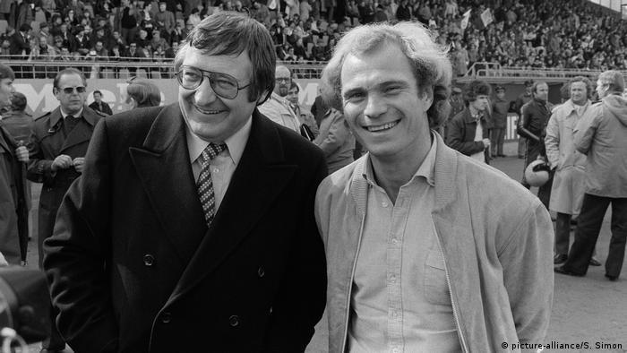 Bundesliga 1979 - FC Bayern München v SV Darmstadt 98: Uli Hoeness, Willi O. Hoffmann (picture-alliance/S. Simon)