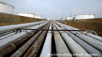 Трубы наземного участка нефтепровода Дружба
