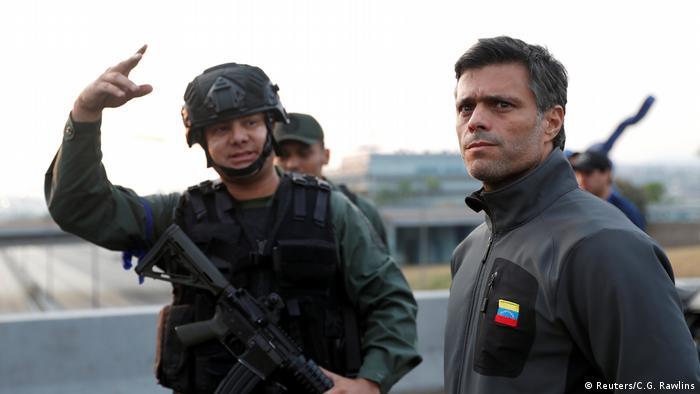 Venezuela Leopoldo Lopez vor der Airbase La Carlota in Caracas