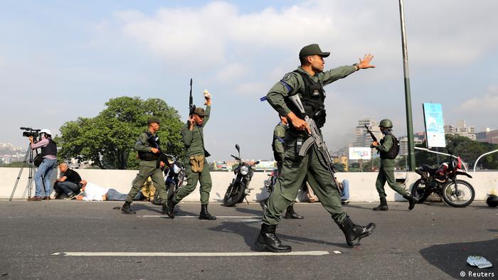 Soldaten am Mirinda-Luftwaffenstützpunkt in Caracas (am 30. April)
