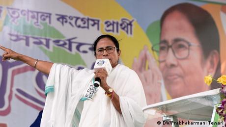 Indien Bengalen Chefministerin Mamata Bannerjee bei Wahlveranstaltung