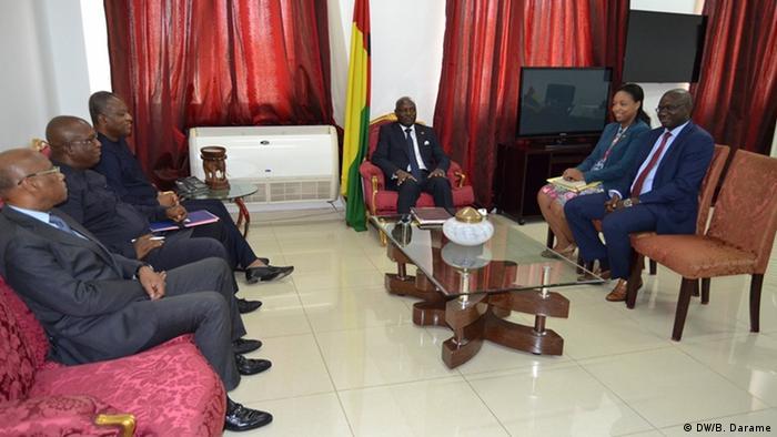Delegação da CEDEAO durante encontro com o Presidente José Mário Vaz, em abril