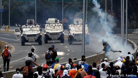Venezuela politische Krise Ausschreitungen in Caracas (Reuters/G. Rawlins)