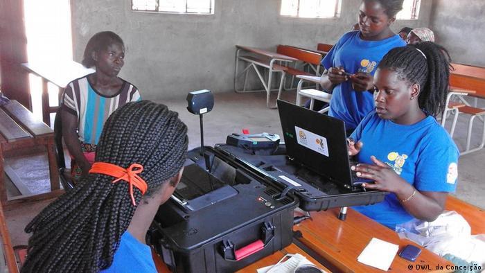 Mosambik Inhambane Wahlregistrierung (DW/L. da Conceição )