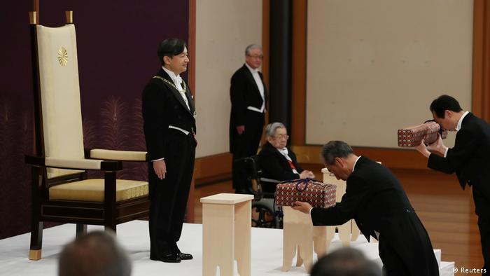 Naruhito takes over royal regalia