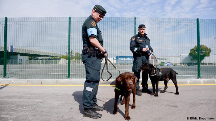 Čuvari vanjske granice EU-a u Bugarskoj sa psima