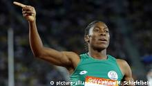 South Africa's Caster Semenya celebrates (picture-alliance/AP Photo/M. Schiefelbein)