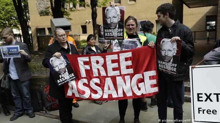 Großbritannien London - Gerichtsverhandlungen zu Assange: Demonstranten fordern die Freilassung